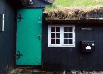 Budynek farerski - zdjęcia z podróży na Wyspy Owcze