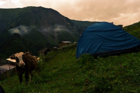 Nocleg pod namiotem w Gruzji