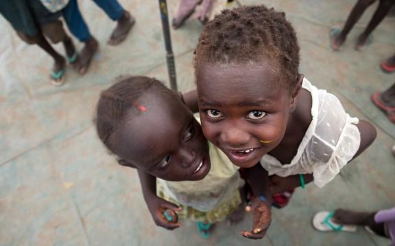 Dzieci z obozu dla uchodźców