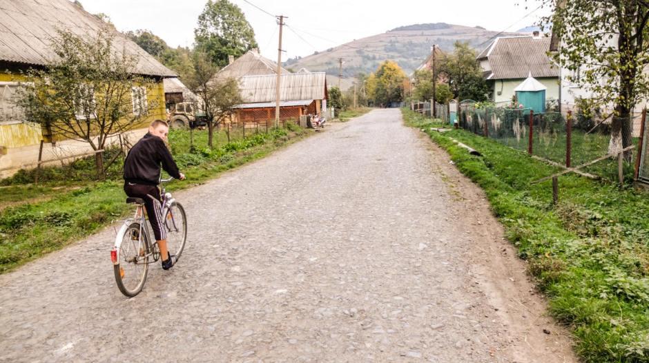 Ukraińska wieś w Karpatach
