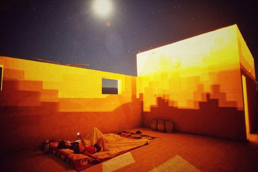 Maroko, nocleg pod gołym niebem, Fot. Mihai Barbu