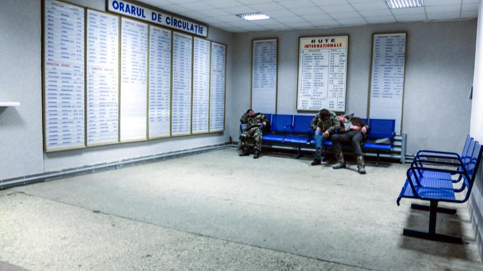 Dworzec w mołdawskich Bielcach. (Fot. Bartek Szaro)
