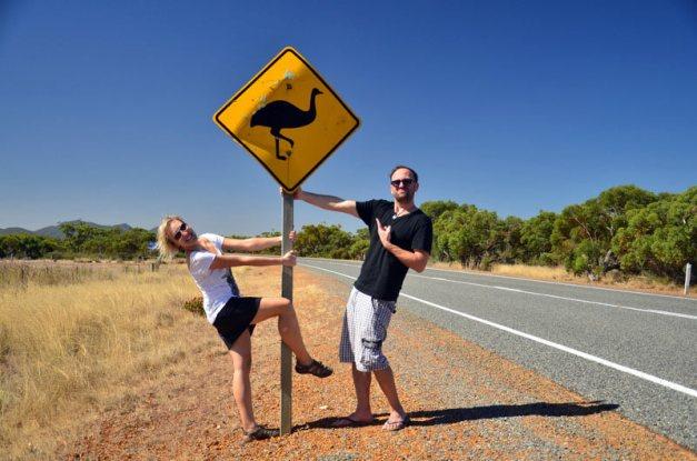 Outback w Australii, uwaga na emu