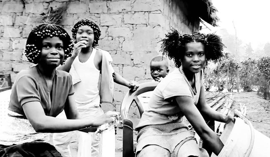 Dziewczyny z Kongo - zdjęcia z podróży przez Afrykę