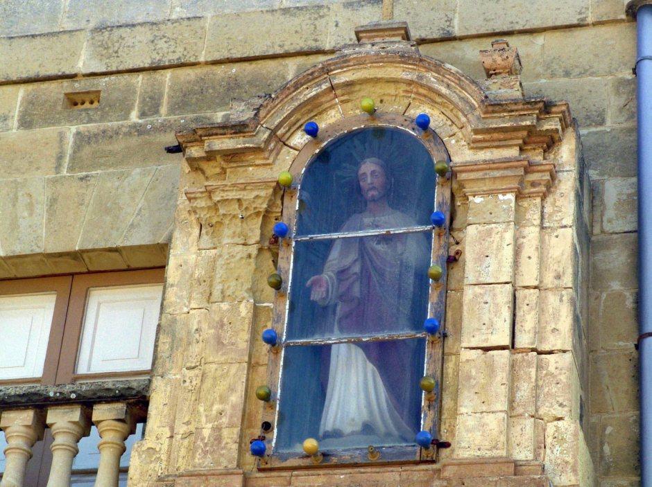 Jezus w kapliczce na Malcie