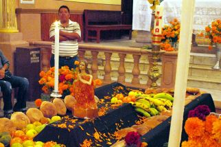 Meksyk, śmierć, trumna z figurką