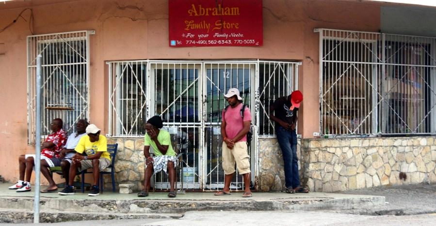 Mieszkańcy Saint John's, stolica państwa Antigua i Barbuda na Morzu Karaibskim