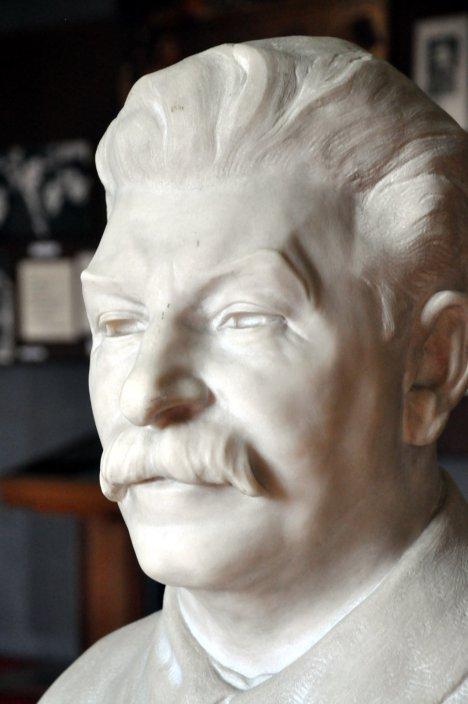 Gori - muzeum Józefa Stalina, popiersie wodza