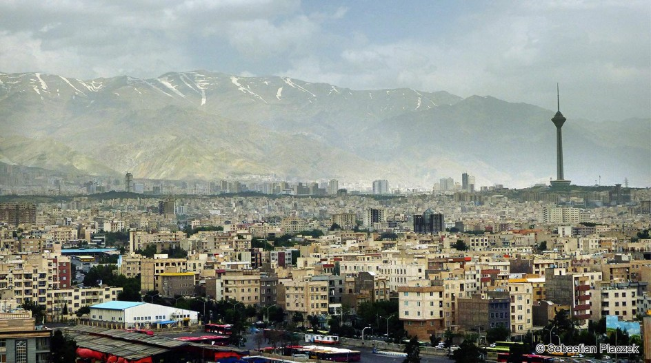 Iran, Teheran, plac Azadi, widok na miasto - zdjęcia