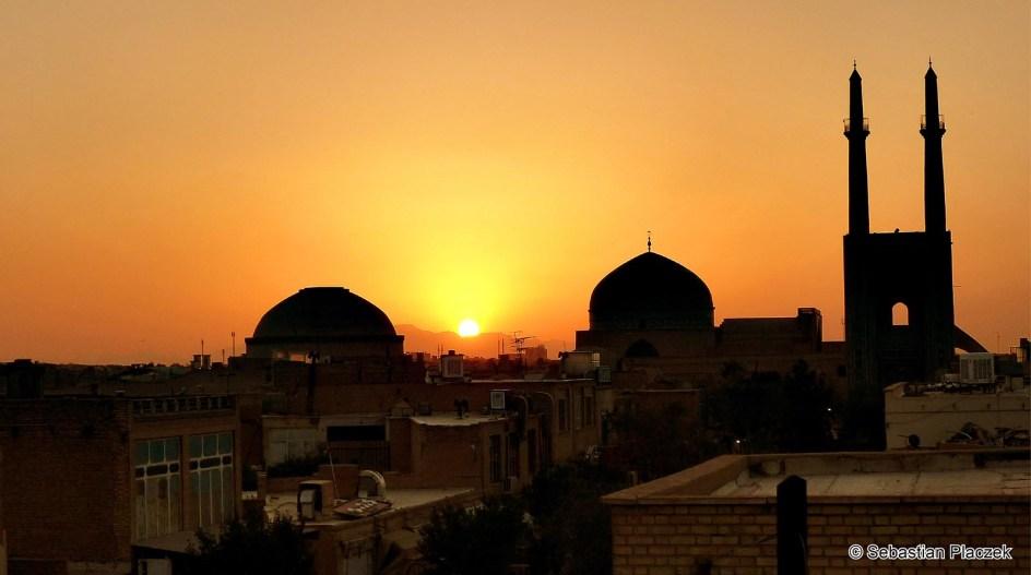 Iran, zachód słońca w mieście Jazd - zdjęcia z podróży