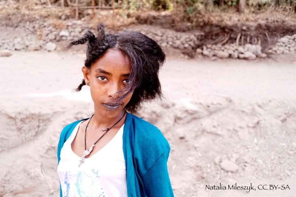 Etiopia, piekna dziewczyna z Lalibeli - zdjęcia z podróży