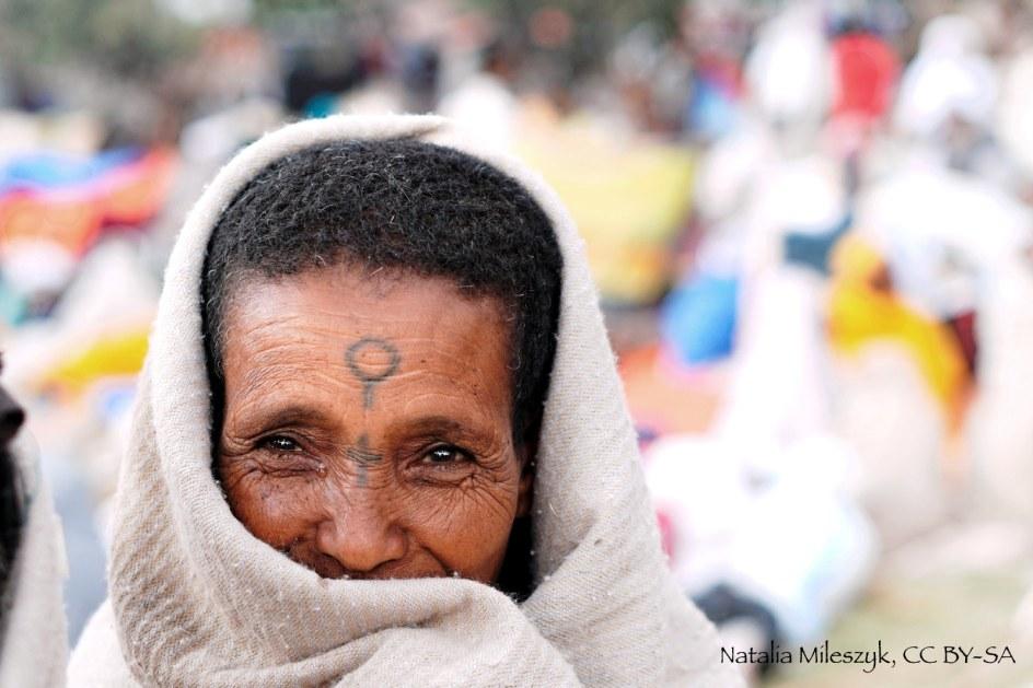 Etiopia, Lalibela, tatuaż na twarzy wyznawcy prawosławia