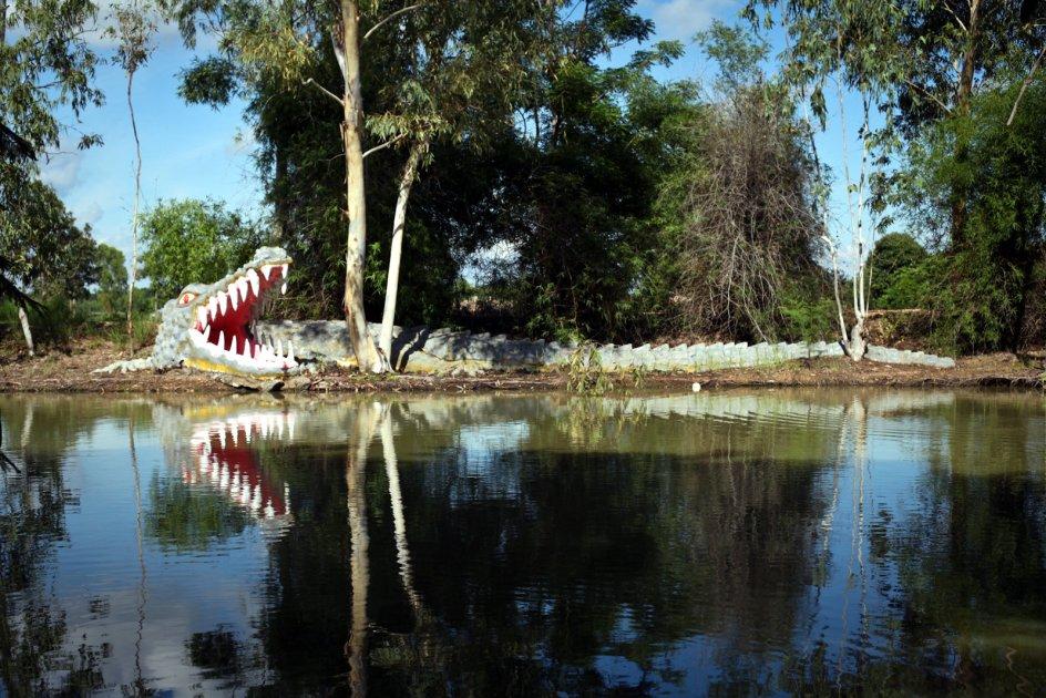 Tajlandia, park świątynia Wat Pa Non Sawan, krokodyl w światyni