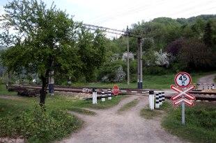 Ukraina, przejazd kolejowy na Zakapraciu