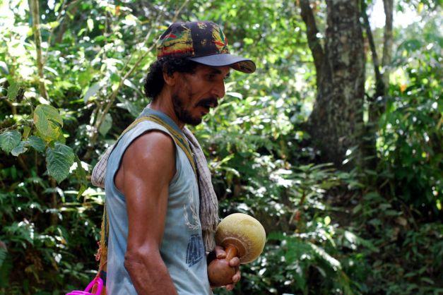 Kolumbia, indianin z Sierra Nevada, zdjęcia z podróży, Ameryka Południowa