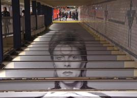 """""""David Bowie is"""" στον σταθμό του μετρό της Νέας Υόρκης"""
