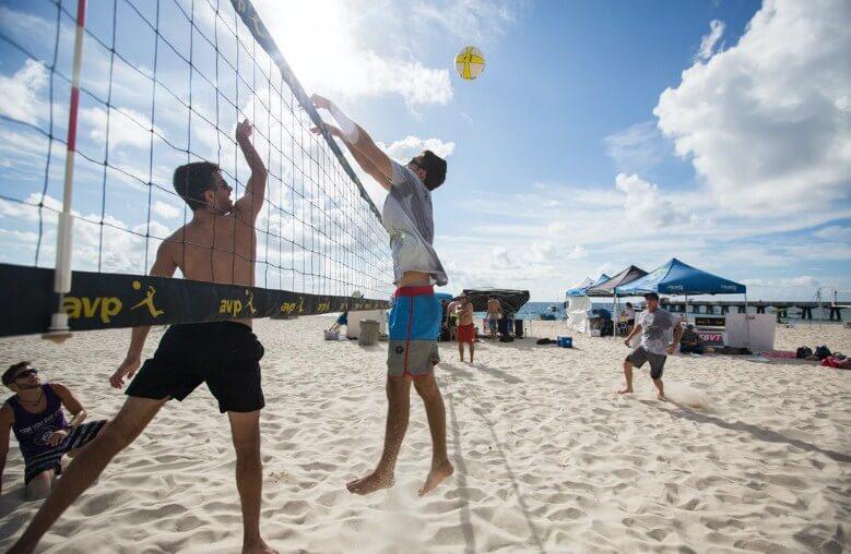 Permainan Voli Pantai