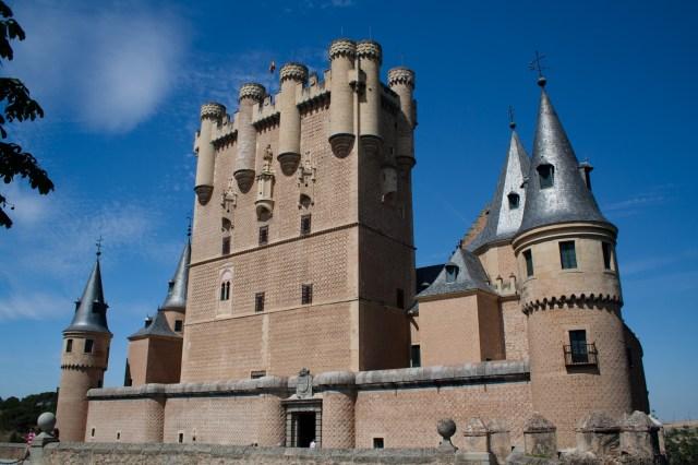 Torre del homenaje y entrada al Alcázar de Segovia