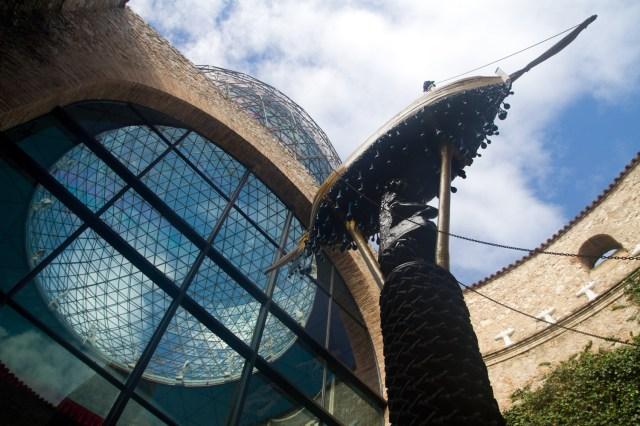 Vestíbulo y cúpula geodésica del Teatro-Museo Dalí, Figueras, España