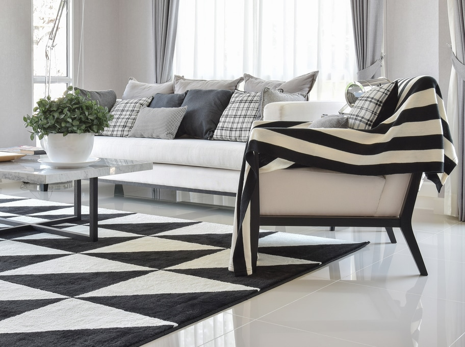 How To Add Some Black And White Glamour To Your Home Decor