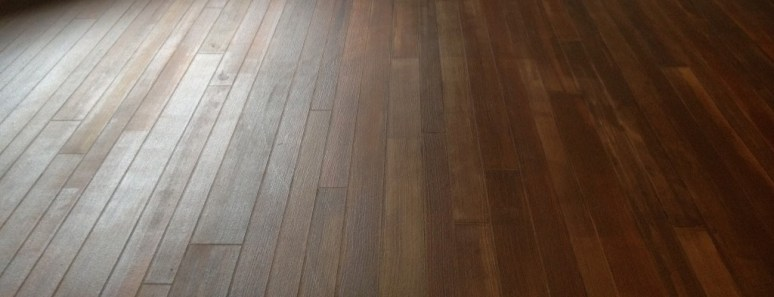 Example of concrete floor that looks like wood.