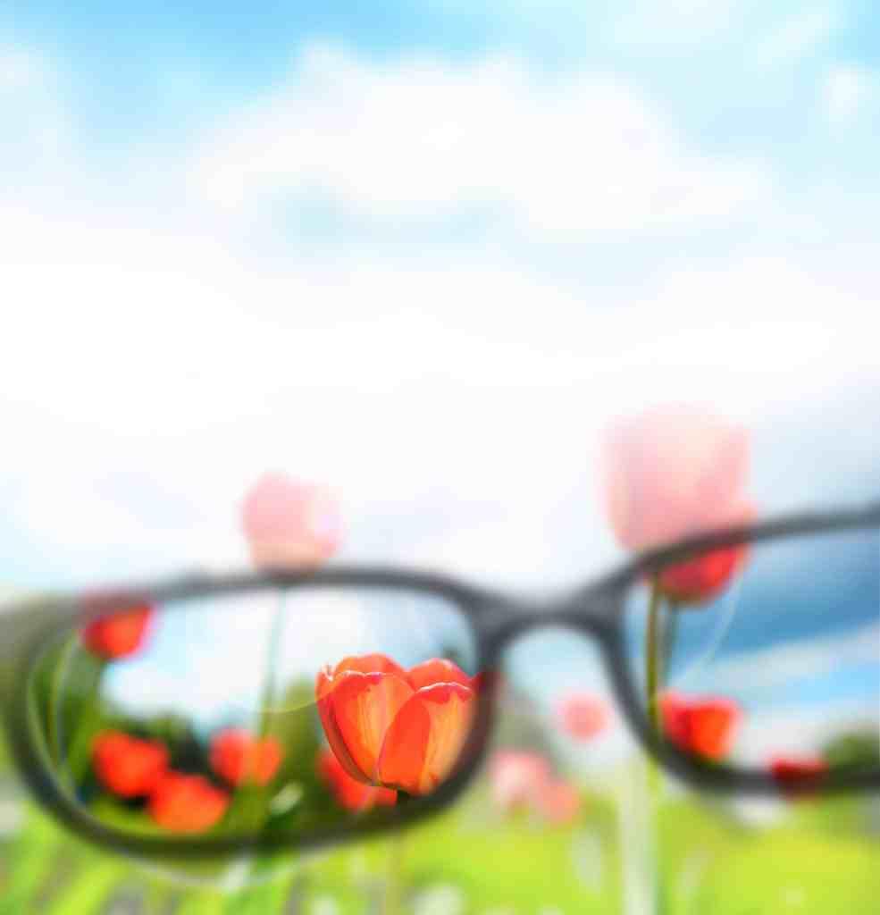 clear vision through eye glasses