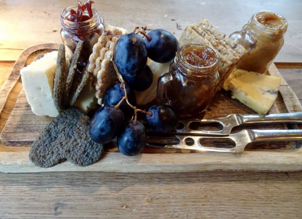 artisan british cheeseboard