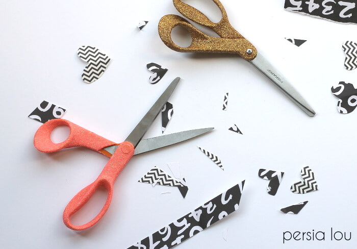 Glitter scissors paired with this cute printable make a great teacher gift!