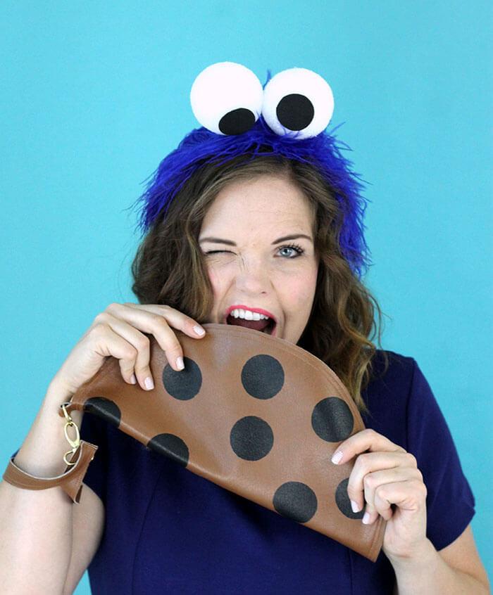 Super easy DIY adult cookie monster costume.