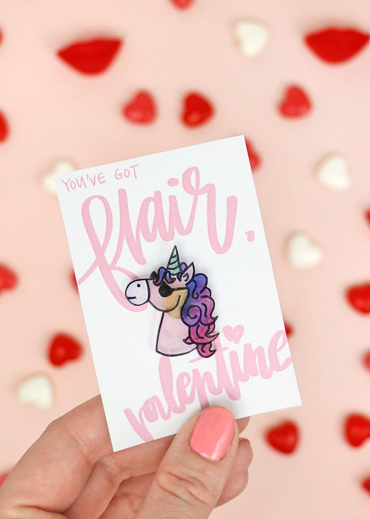 so cute! how to make pins at home - love this cute unicorn pin. Super cute valentine's idea too