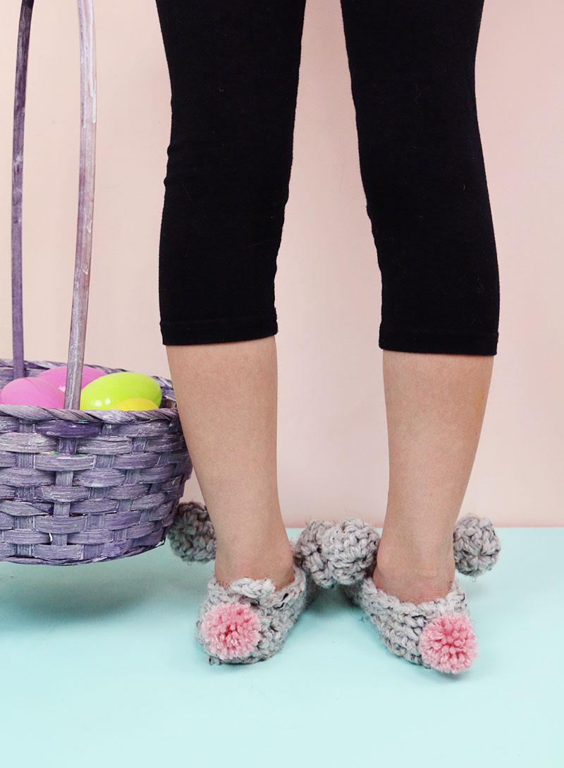 crochet bunny slippers with pom pom tails