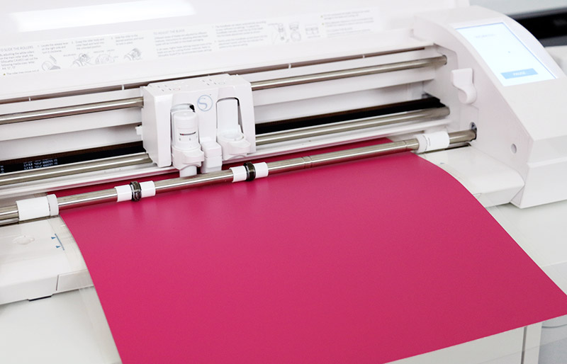 cutting vinyl with silhouette cameo