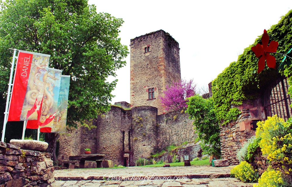 entrance to the castle in French towns Belcastel