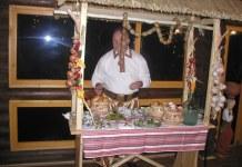 стіл для зустрічі гостей
