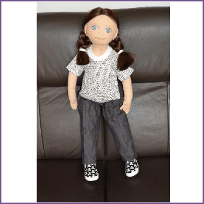 Irish Traveller girl (brown hair)