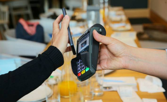 Contactless payment with the smartphone