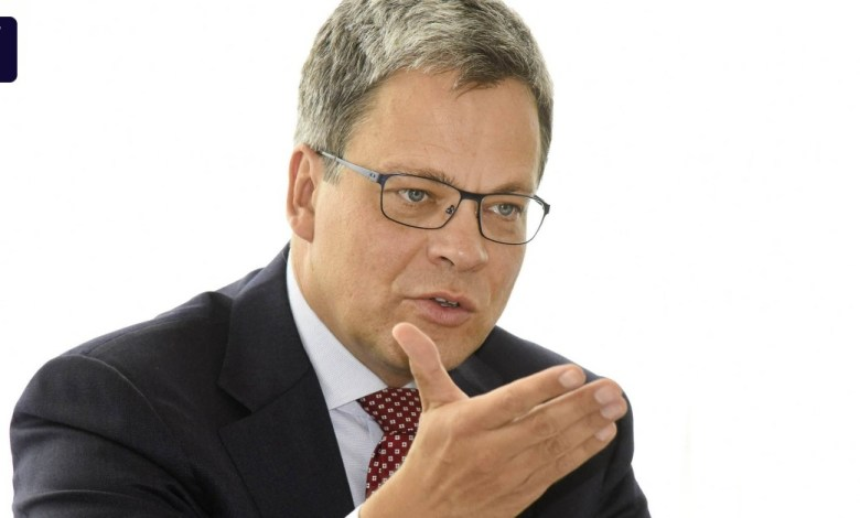 Photo of New Commerzbank boss uses social media intensively