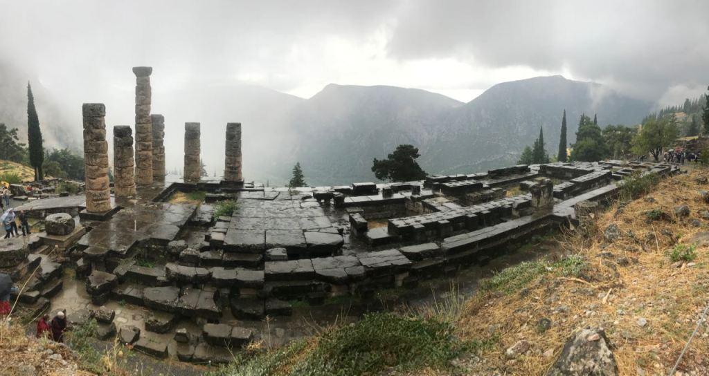 Il tempio di Apollo a Delfi - 4 - Personal Care Project - Conosci te stesso