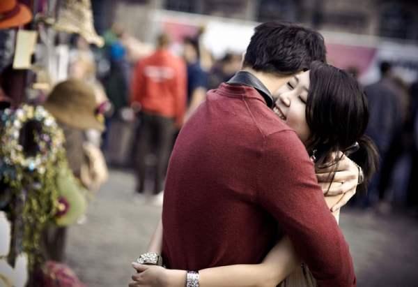 Lovers' embrace (Edinburgh City)