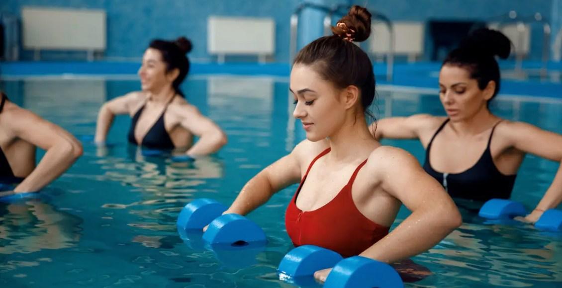 11860 Vista Del Sol, Ste. 128 Ejercicio de natación sin impacto para el dolor de espalda, las lesiones y la rehabilitación