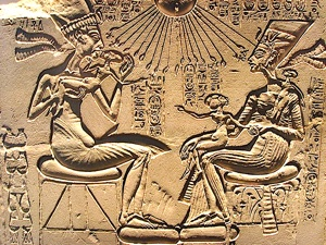 Akhenaten and Nefertiti as doting parents blessed by the Sun.