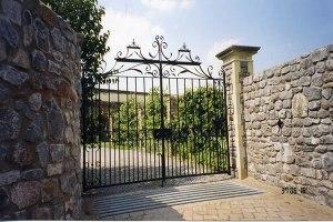 Estate Fence4