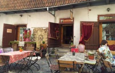 Cafe du Pierre