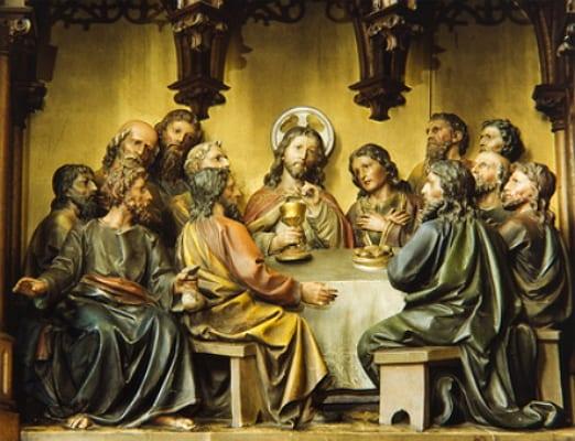 Jesus im Kreis seiner Jünger - © fotofrank - Fotolia.com