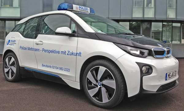 0 Prozent CO2 - 100 Prozent Polizei - Personalwerbung mit BMW i3