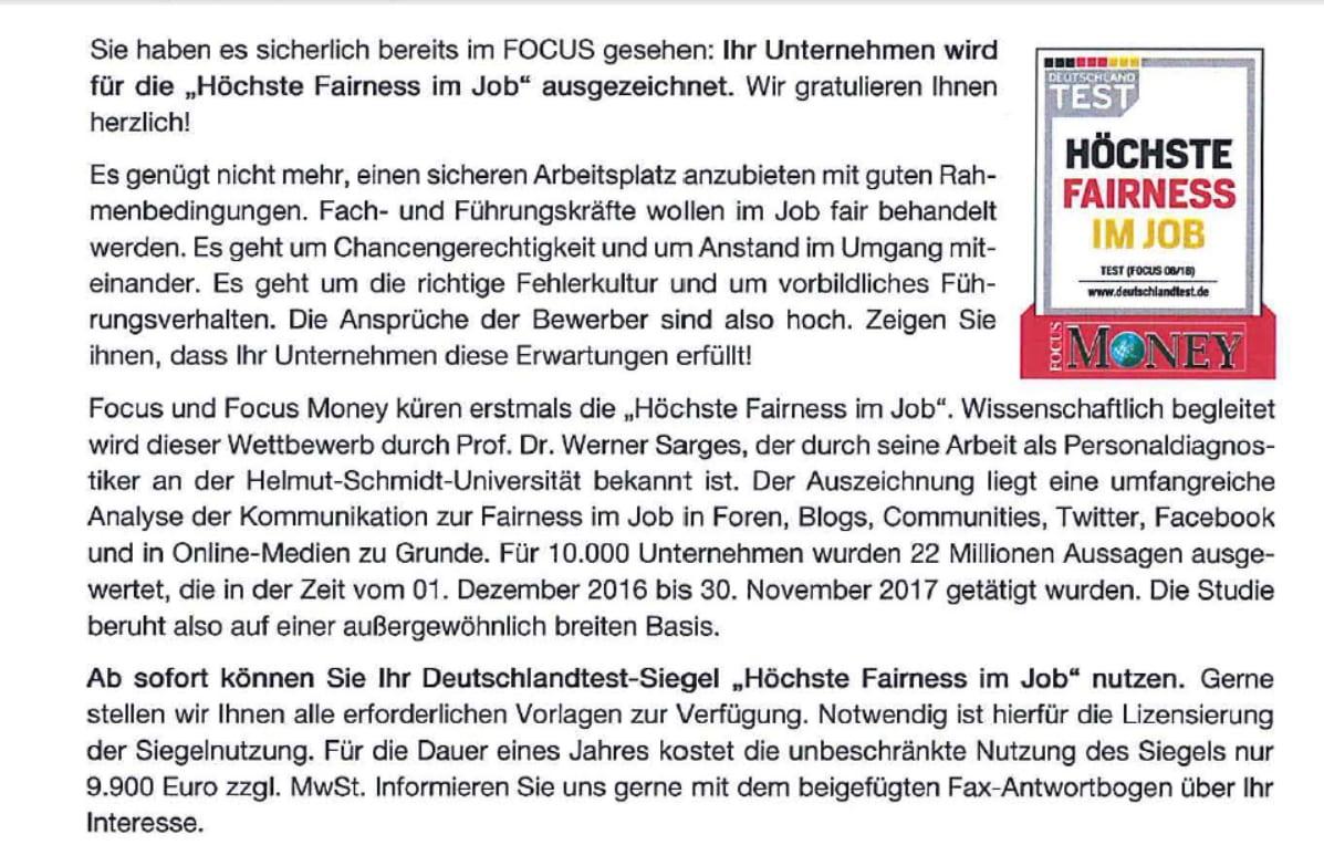 Wunderbar Mitarbeiter Buchhalter Setzen Die Objektive Aussage Fort ...