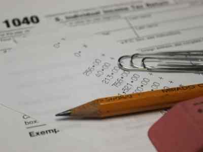 IRS 1040 Taxes