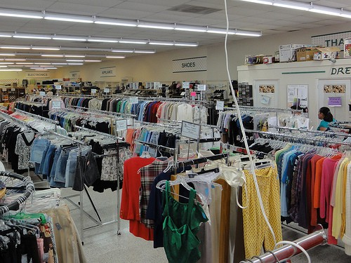 9 Tips for Thrift Store Shopping