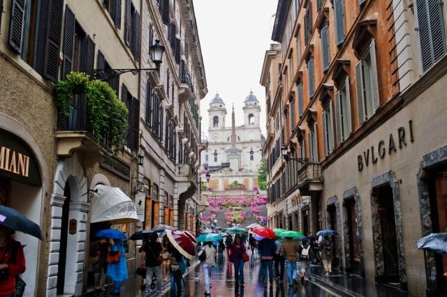 shopping in italy Roma via condotti