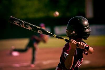 野球肩になりやすい投げ方